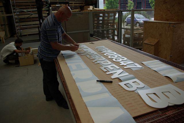 ritmeester-alblasserdam-scheepsletters-alle-letttertypes-losse-letters-pvc-scheepsnaamborden-vlaggen-wimpels-vaandels-pvc-letters-scheepssigning-imo-nummers sjablonen voor montage aan boord
