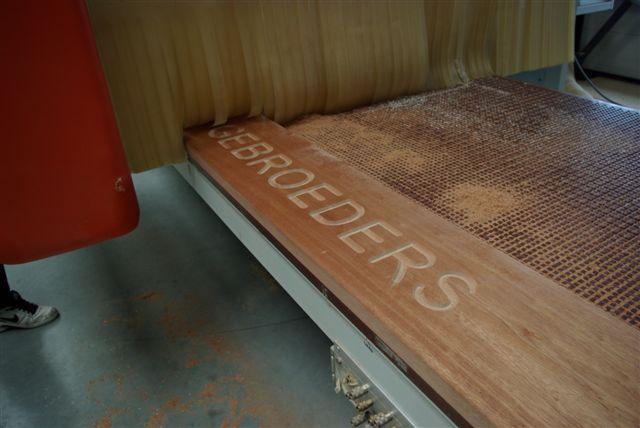 hout cnc frezen