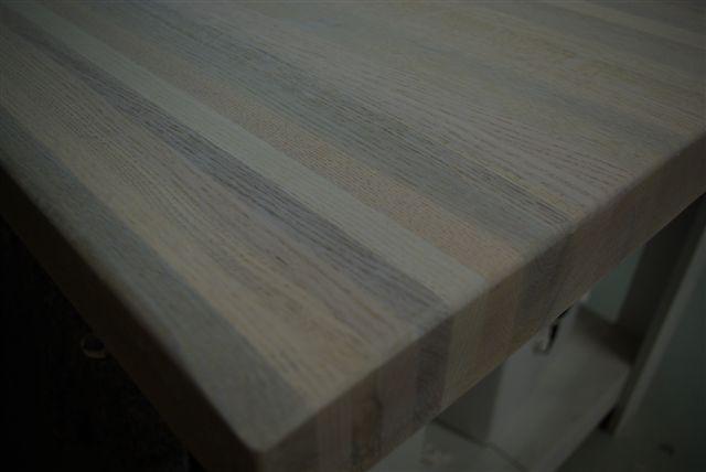 Tafels en meubels whitewash en facelift ritmeester for Tafel schuren en olien
