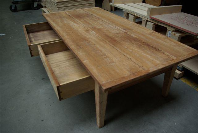 Tafel Opnieuw Lakken : Tafels renoveren tafels restaureren tafelschade repareren