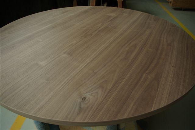 Tafels tafelbladen rond noten ritmeester alblasserdam