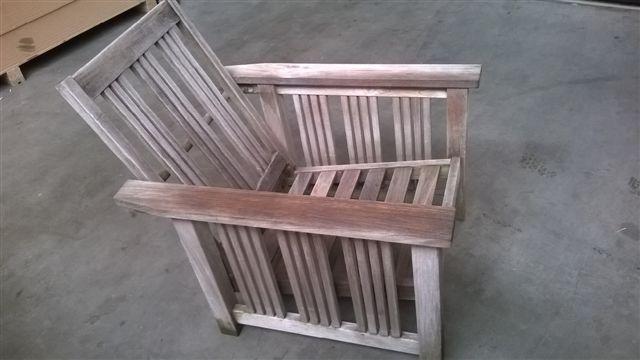 Stoel Verstelbare Rugleuning : Eettafel met glazen topblad en verrijdbare kunstlederen stoelen